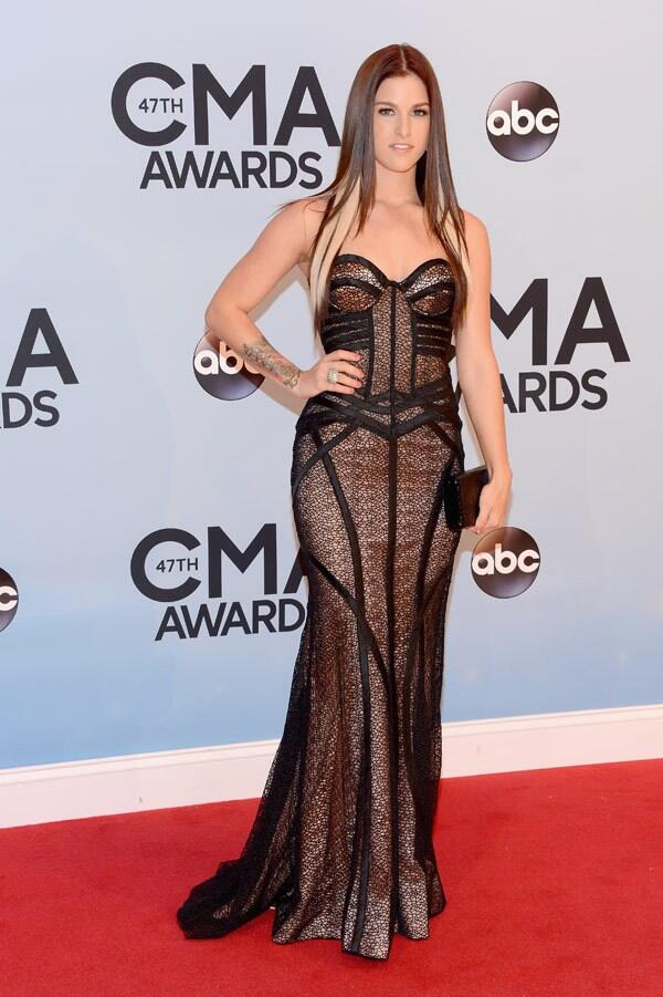 Cassadee Pope. Fabulous fit & the straightest, shiniest hair EVER!