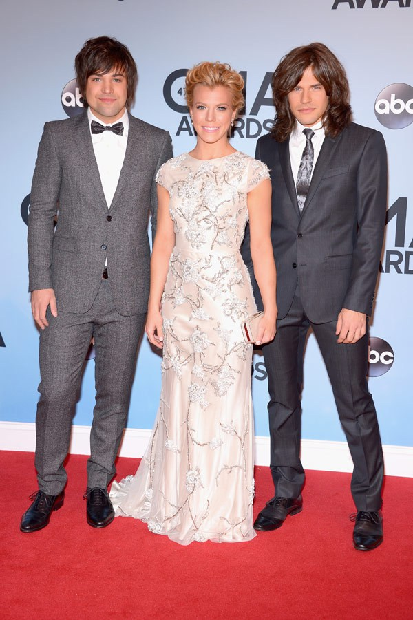 Kimberly - The Band Perry. Okay, this dress definitely looks like a curtain, but for some reason, I'm LOVING it! Not to mention, her hair and makeup looks so fresh!