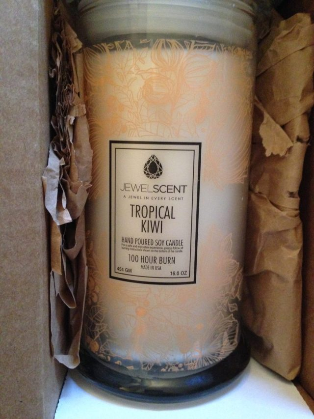 I had blogged about these candles a couple of years ago & cannot wait to start burning it. Dying to see what kind of ring I'll get :)