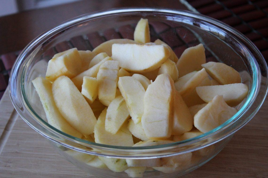 Easy Homemade Applesauce Sliced Apples