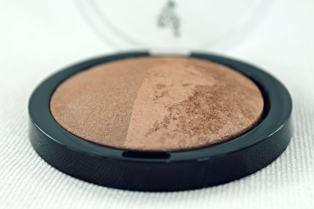 A sneak peek at Tuesday's post! One of my new favorite bronzers...