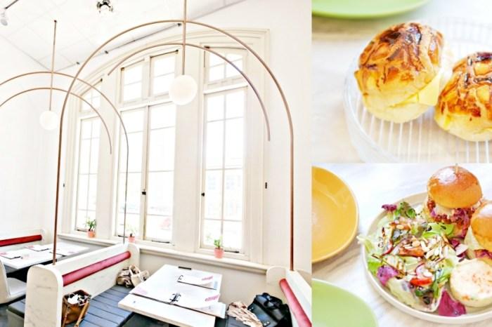 台南美食『Minimou Brunch』隱身於台文館內的絕美純白系早午餐。美味手作漢堡吃起來!台南藝FUN券|台南下午茶|台南中西區