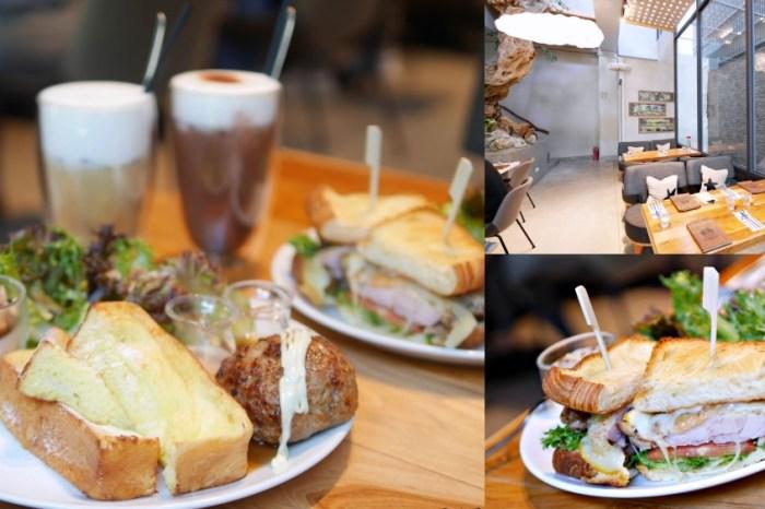 質感清水模外觀好好拍咖啡館『Corridor Café』蓬鬆法式吐司吃起來!台南美食|台南下午茶|台南安平區