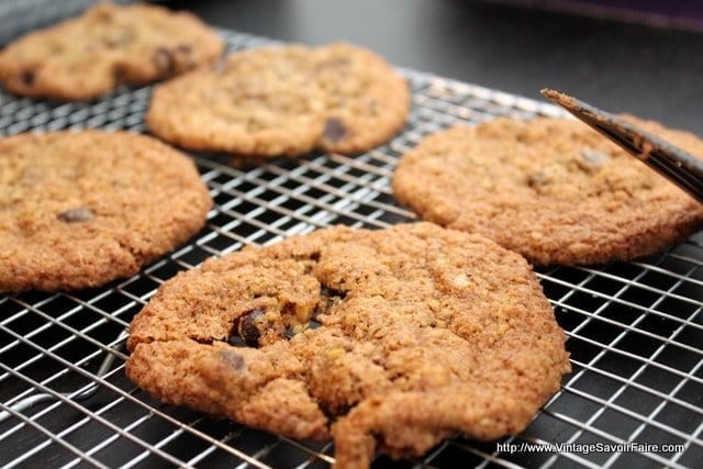amandacook.me Oatmeal Chocolate Chip Cookies with spelt!