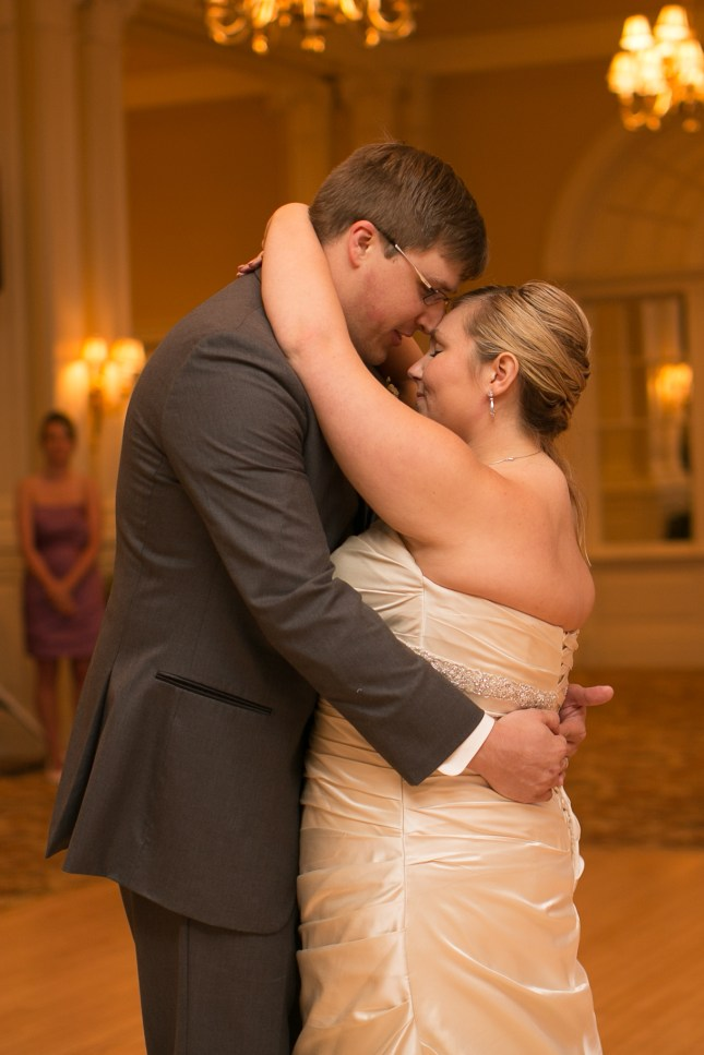 beth-evan-chamberlain-hotel-purple-wedding-466
