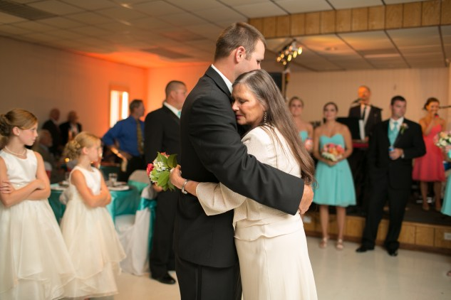 teal-coral-southampton-county-wedding-photographer-74