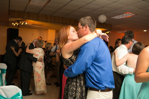 teal-coral-southampton-county-wedding-photographer-91