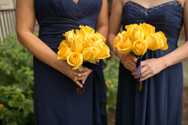 navy-yellow-yacht-club-wedding-norfolk-31