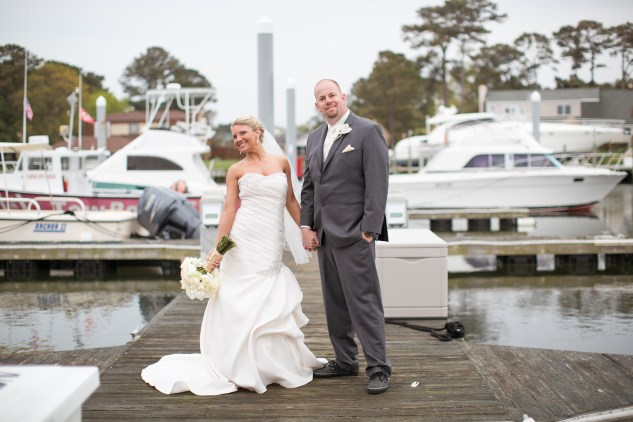 pink-aqua-virginia-beach-yacht-club-marina-shores-wedding-photographer-614