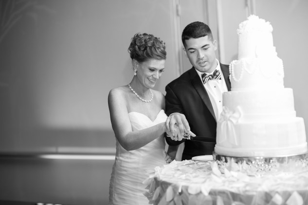 black-white-classic-virginia-beach-convention-center-wedding-122
