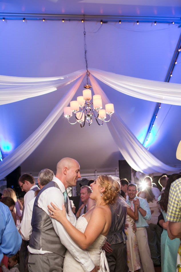 cavalier-golf-yacht-club-wedding-photo-amanda-hedgepeth-159