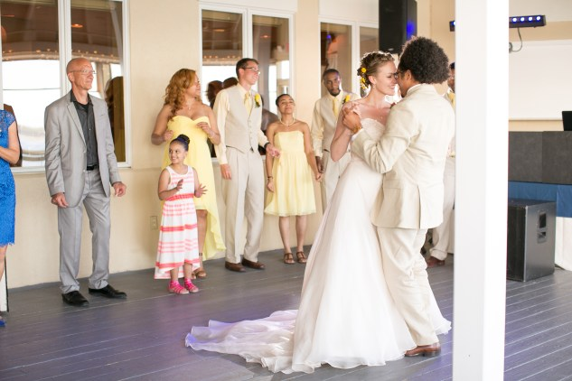 yellow-red-coastal-lesner-inn-wedding-virginia-beach-119