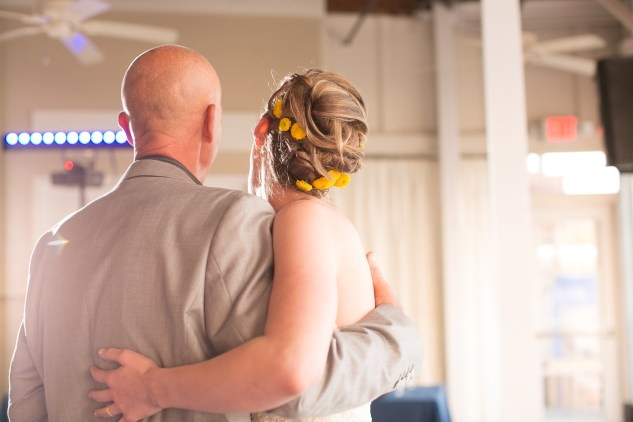 yellow-red-coastal-lesner-inn-wedding-virginia-beach-123