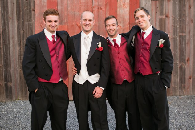 winery-bull-run-wedding-red-grey-photo-105