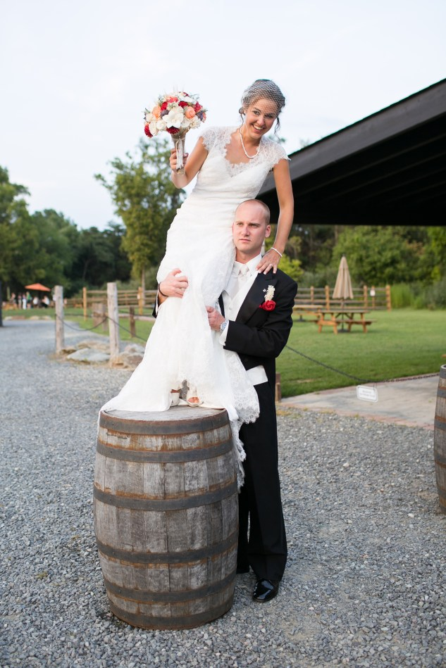 winery-bull-run-wedding-red-grey-photo-108