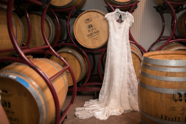 winery-bull-run-wedding-red-grey-photo-58