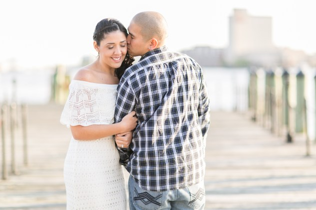 norfolk-engagement-photo-waterside-amanda-hedgepeth-21