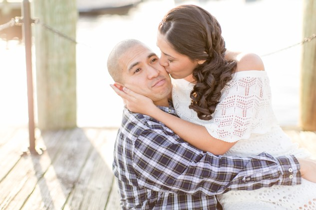 norfolk-engagement-photo-waterside-amanda-hedgepeth-25