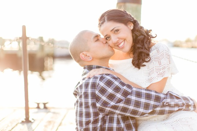 norfolk-engagement-photo-waterside-amanda-hedgepeth-27