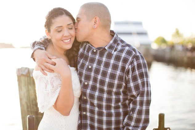 norfolk-engagement-photo-waterside-amanda-hedgepeth-34
