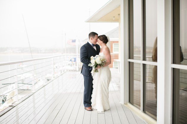 blue-coastal-virginia-beach-lesner-inn-wedding-photo-34