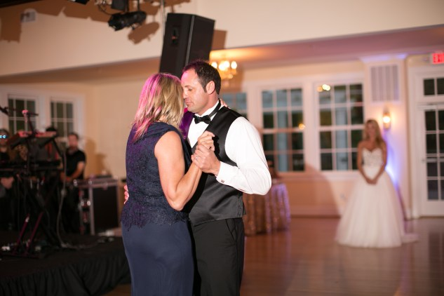 gold-pink-purple-womans-club-portsmouth-wedding-obx-wedding-photographer-108