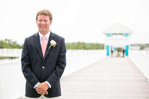 coral-aqua-teal-oyster-farm-eastern-shore-wedding-photo-amanda-hedgepeth-25