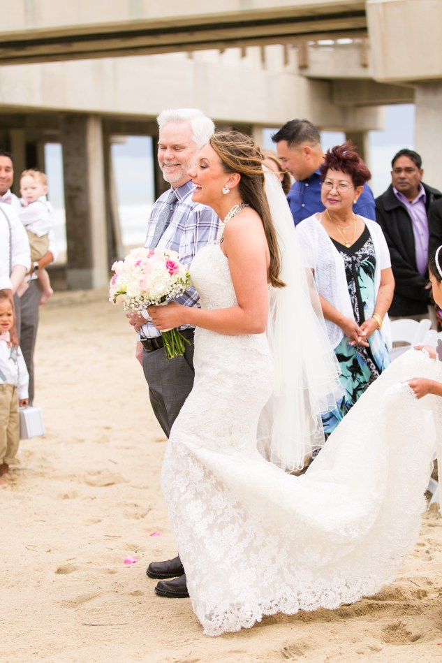 jennettes-pier-nags-head-obx-outer-banks-wedding-photo-amanda-hedgepeth-54