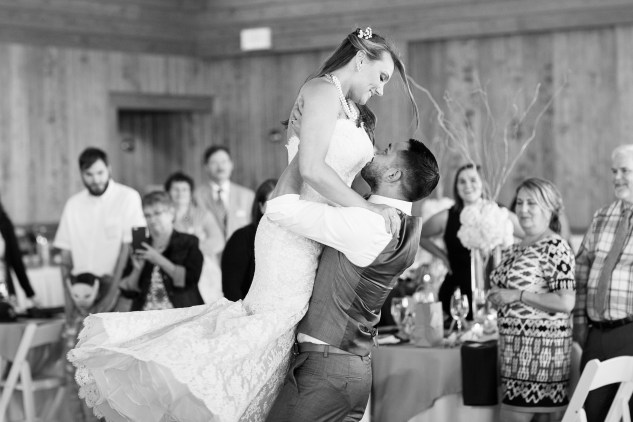 jennettes-pier-nags-head-obx-outer-banks-wedding-photo-amanda-hedgepeth-7