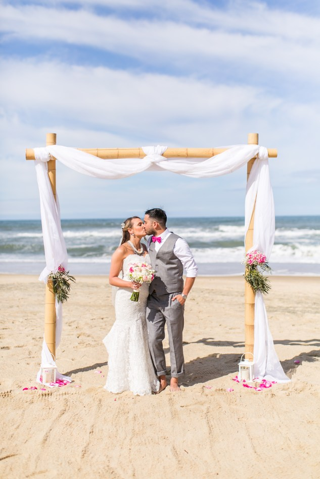 jennettes-pier-nags-head-obx-outer-banks-wedding-photo-amanda-hedgepeth-84