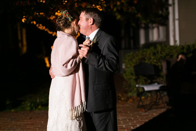 carly-charlie-wedding-blog-edenton-north-carolina-inner-banks-inn-92
