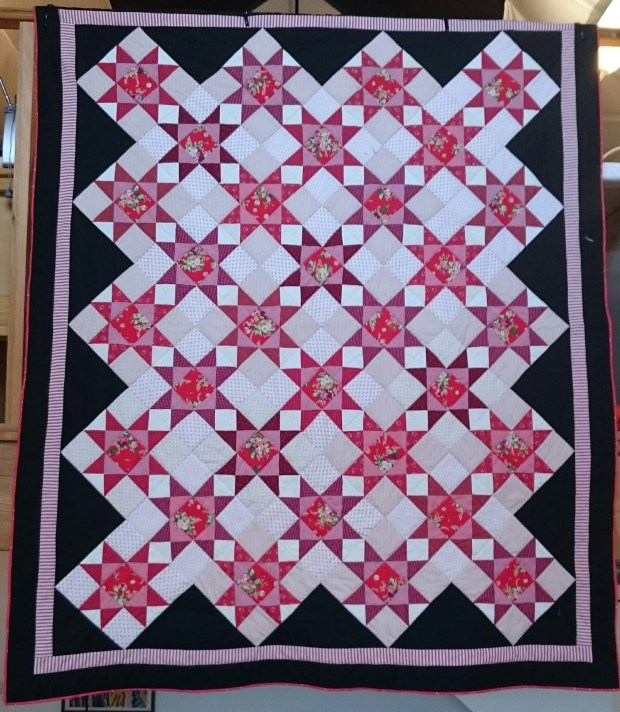 winter-roses-quilt, designed and made by Amanda Ogden