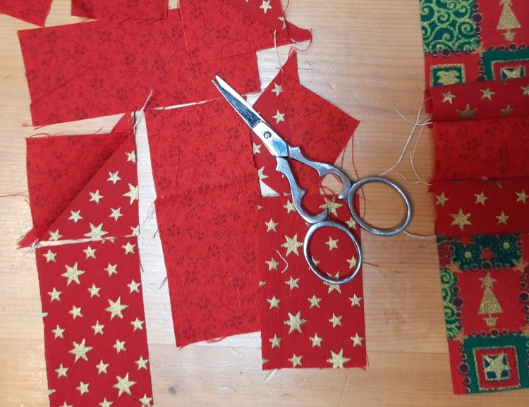 Protoyping the 'Presents' table mat pattern