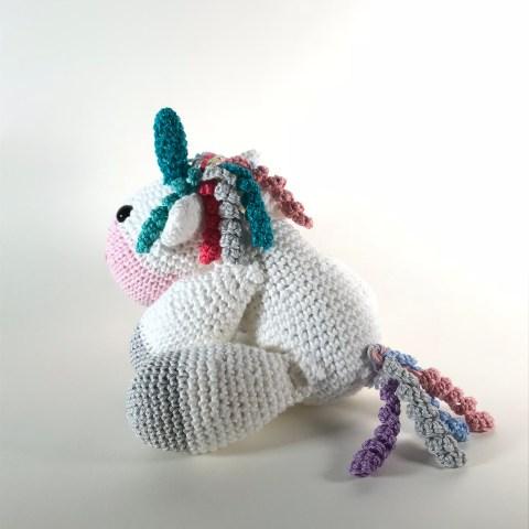Sleeping unicorn pony crochet pattern - Amigurumi Today | 480x480