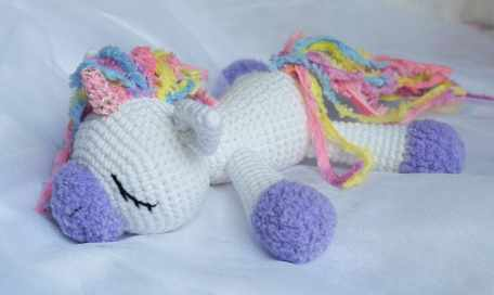 sleeping-unicorn-pony-crochet-pattern-free