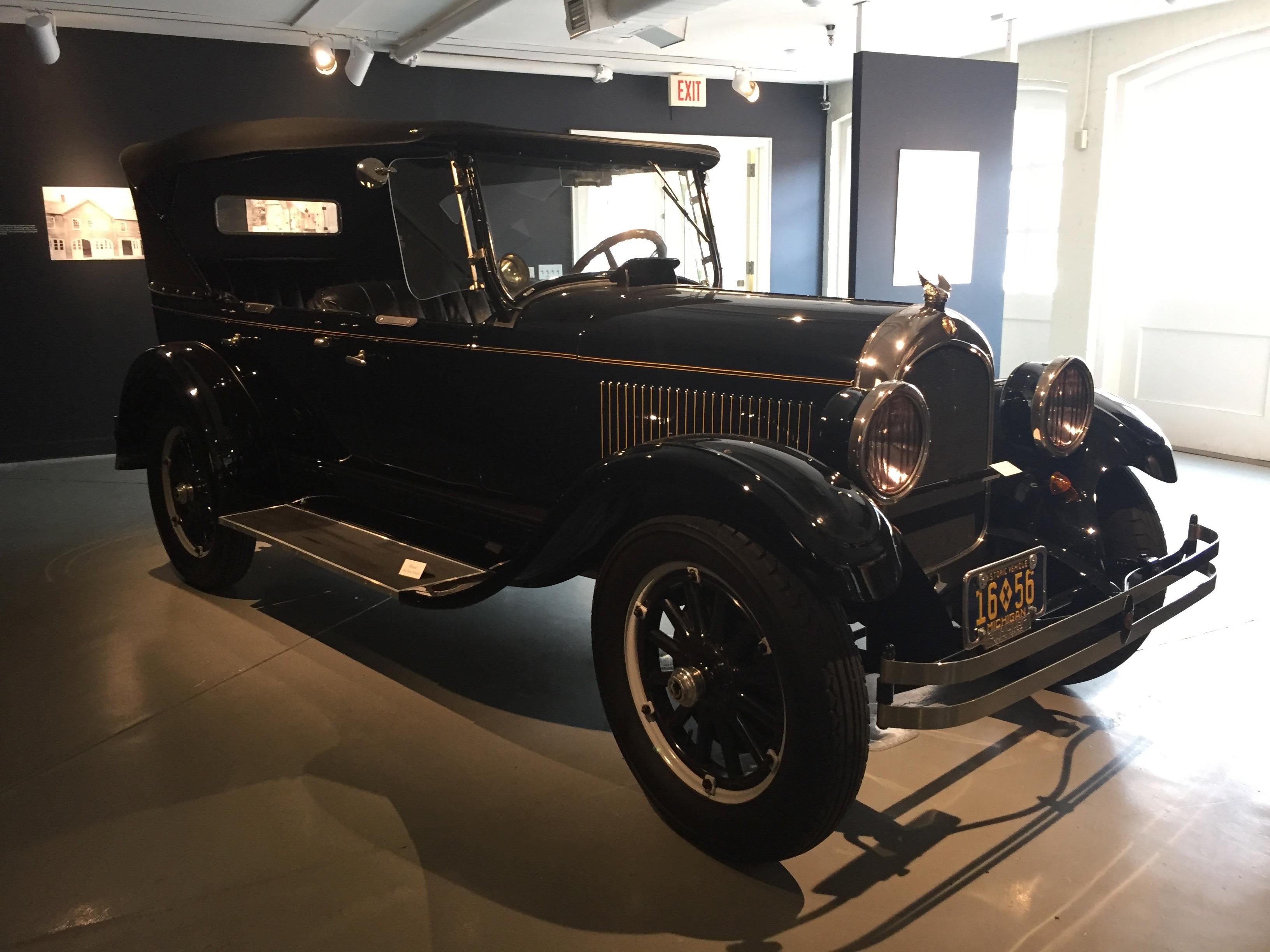 Classic Cars in the Courtyard – Amanda Markel
