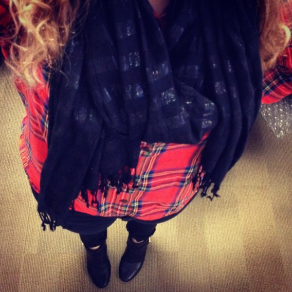 Instagram Outfit Old Navy Flannel and Black Scarf