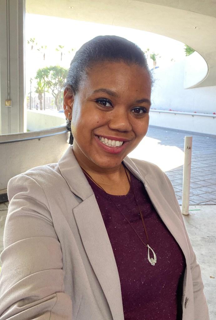 Headshot of Amanda-Rae Prescott