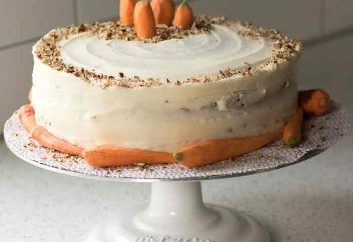 Carrot Cake With Cream Cheese Frosting Amandas Cookin