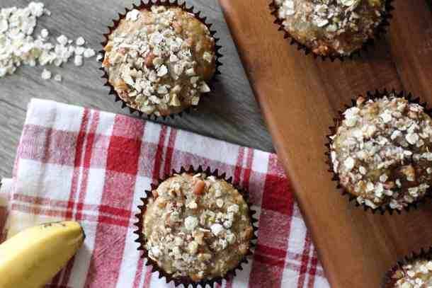 muffins, banana muffins, banana nut oat muffins