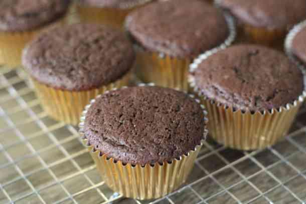 chocolate cupcakes amandas plate