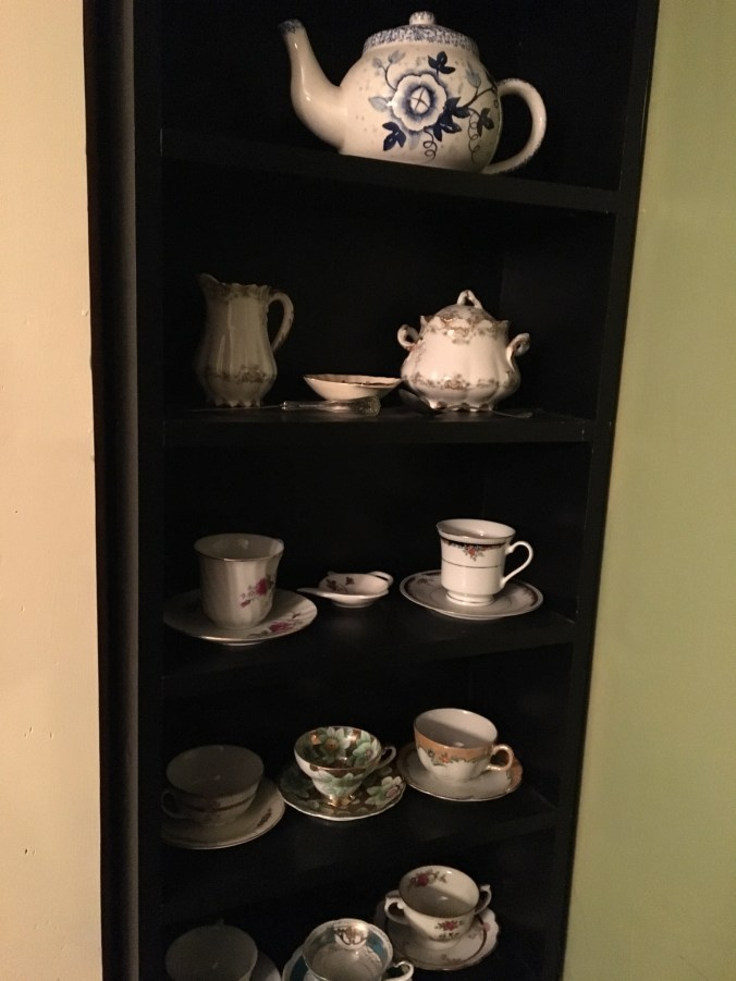 Tea for two or more...Lakeside have its own tea room but these teacups are on display in our rental.