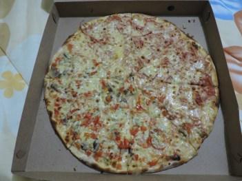 La primer pizza del viaje!