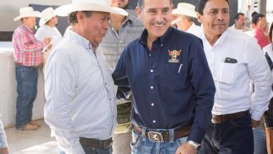 Photo of Entregan seguro por sequía a ganaderos de la Sierra queretana
