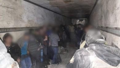 Photo of Rescatan a 71 migrantes que eran transportados en un tráiler en NL