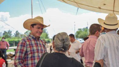 Photo of Toño Macías establece compromisos con el campo