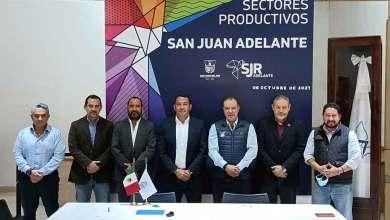 Photo of Empresarios de solidarizan con damnificados por inundaciones en San Juan del Río