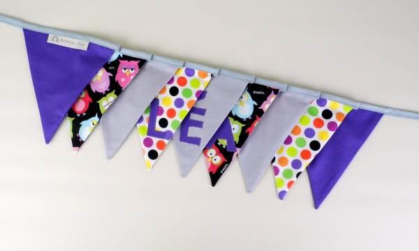 guirlande fanions-vioet-gris-hiboux-chousettes-personnalisee-prenom-lea-cadeau-bapteme-naissance