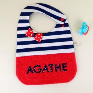 bavoir-fille-style-marin-personnalise-prenom-agathe-cadeau-bapteme-naissance-personnalisable