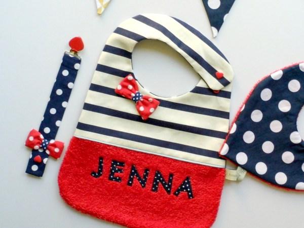 bavoir-personnalise-prenom-jenna-rouge-bleu-marine-pois-noeud-papillon-cadeau-naissance-original